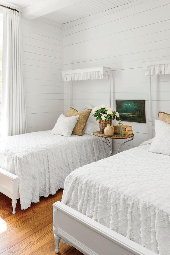 the guest bedroom cottage style