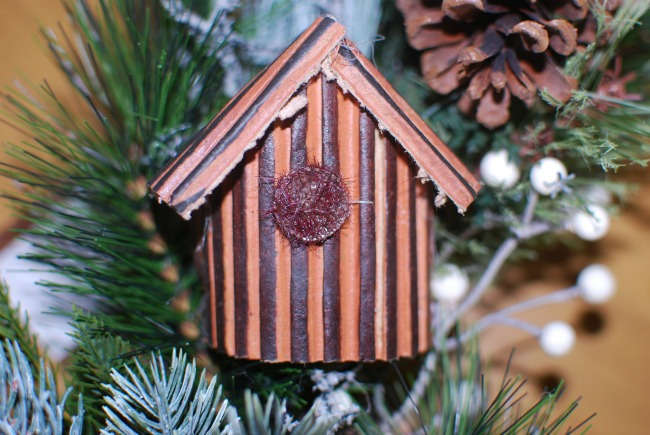 Amara-traditional-Christmas-wreath-close-up-detail-of-cardboard-bird-house