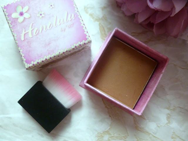 W7 Honolulu Bronzing Powder - A Dupe For Benefit's Hoola?