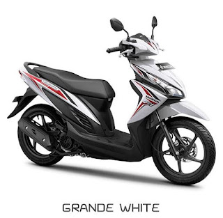 Sepeda Motor Vario 3