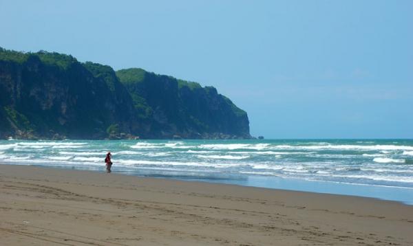 Tempat Wisata Hits Pantai Parangkusumo ala Bacpacker