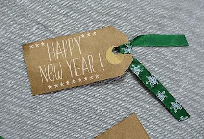 ucapan happy new year dengan desain menarik