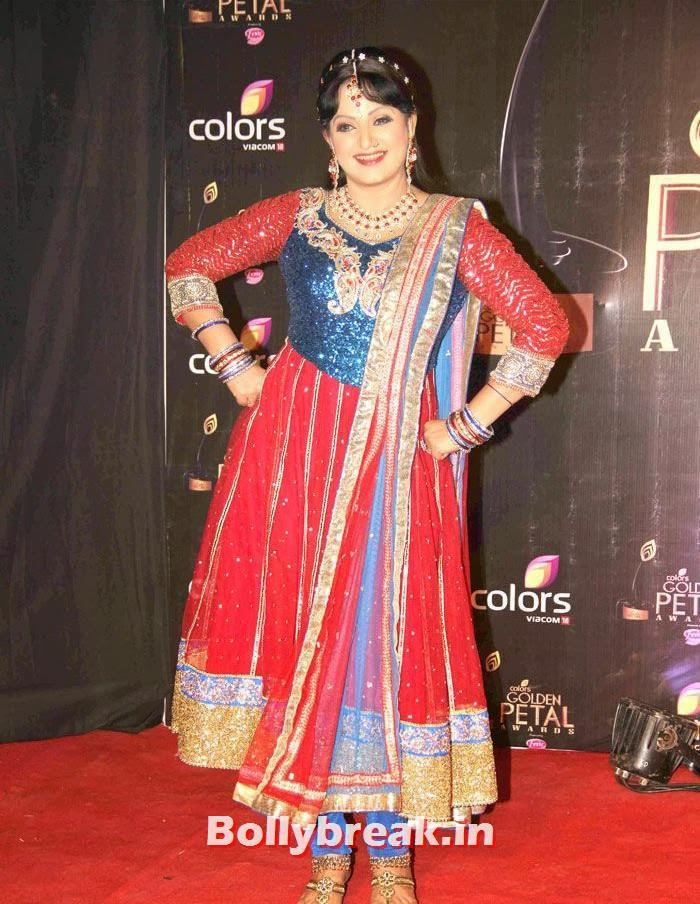 Upasana Singh, Colors Golden Petal Awards Dec 2013 Photos