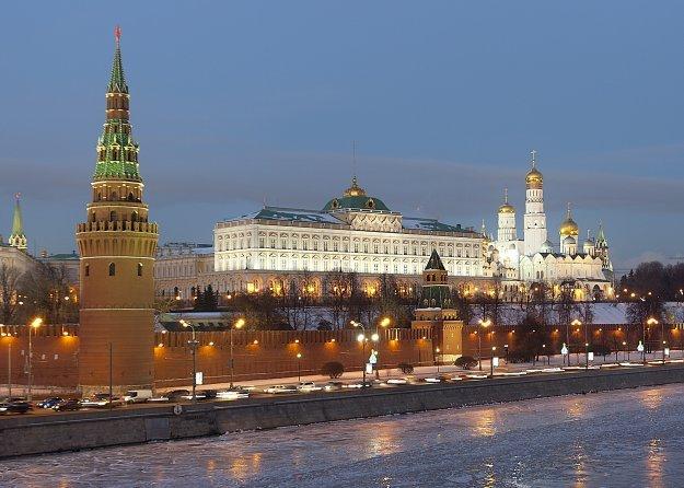 Ο επικεφαλής της MI6 προειδοποιεί τη Ρωσία: «Μην υποτιμάτε τη Δύση»