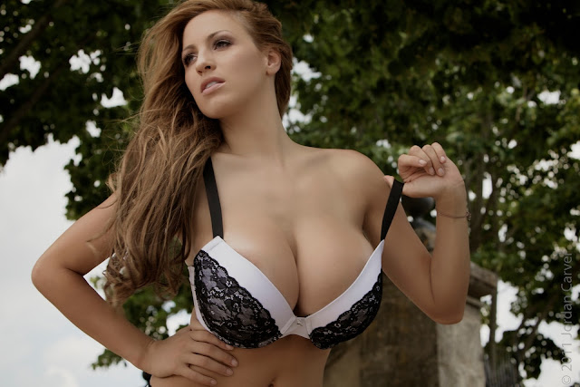 sexiest-Jordan-Carver-Fairy-Tale-hot-photo-shoot-picture-33