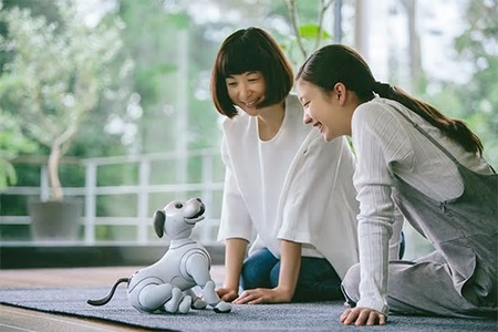 SONY launches robot dog aibo (ERS-1000)