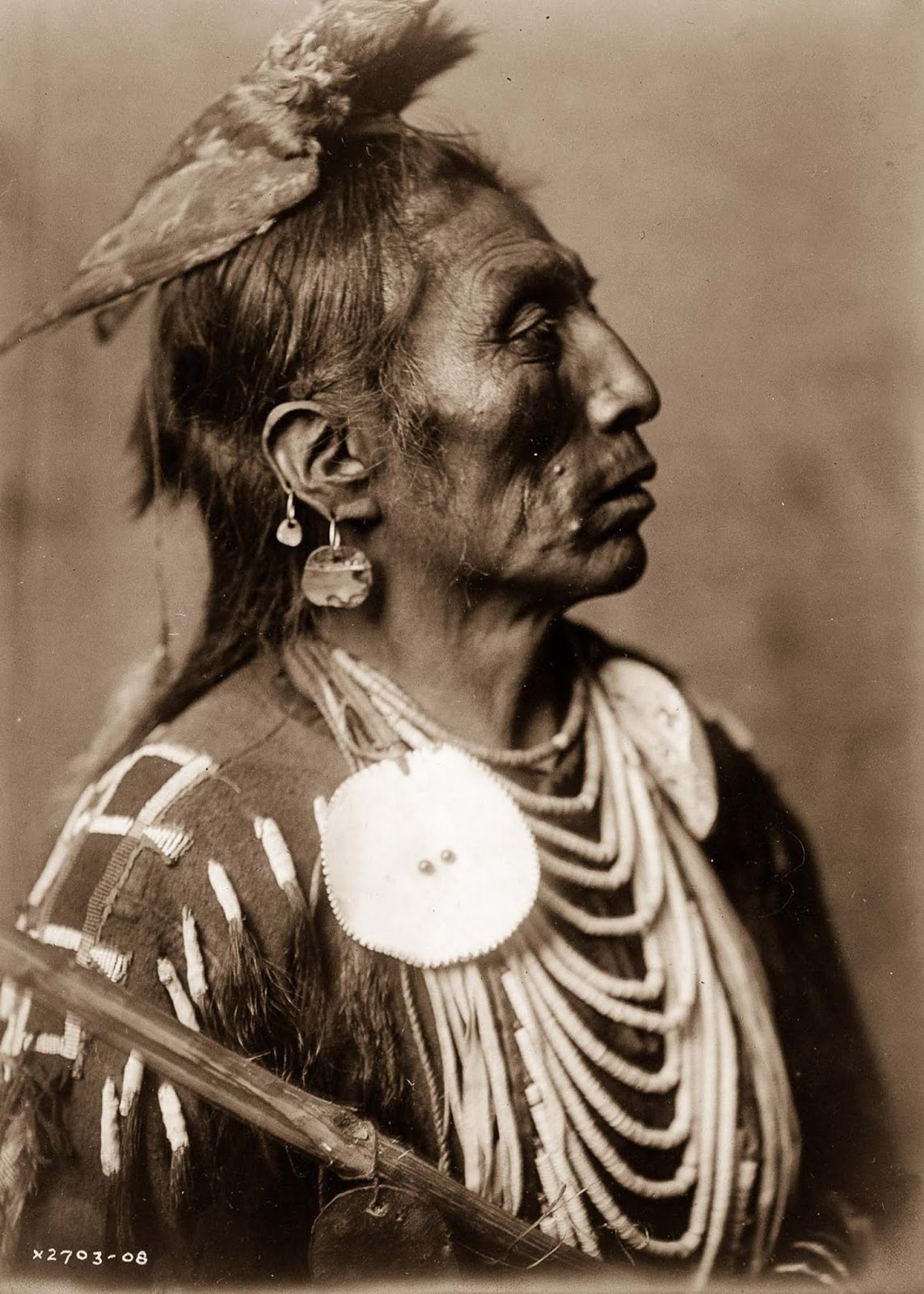 Medicine Crow, of the Apsaroke tribe. 1908.