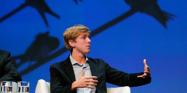 """صديق زوكربيرج والمؤسس المشارك لفيسبوك يدعو إلى تفكيك الشبكة الاجتماعية ويقول """"حان الوقت لكسر الفيسبوك"""""""