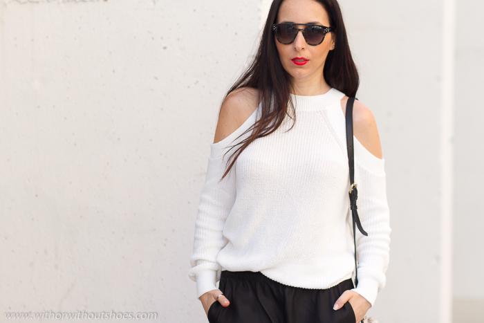 Influencer blogger con consejos de moda para vestir comoda y estilosa