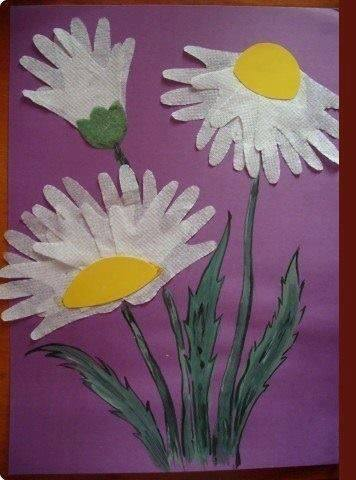 Idea to make flower from handprint paper for kids