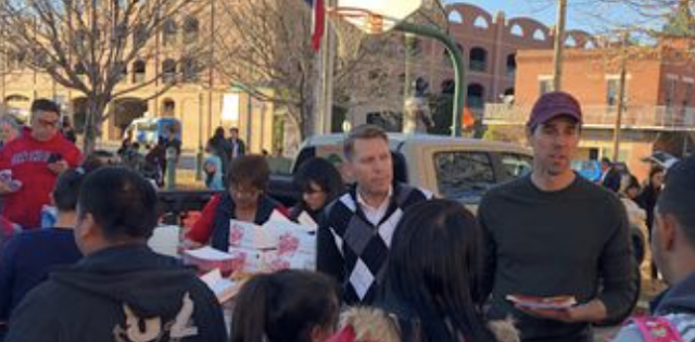 ICE drops off hundreds of migrants at Downtown El Paso bus station; shelters scramble