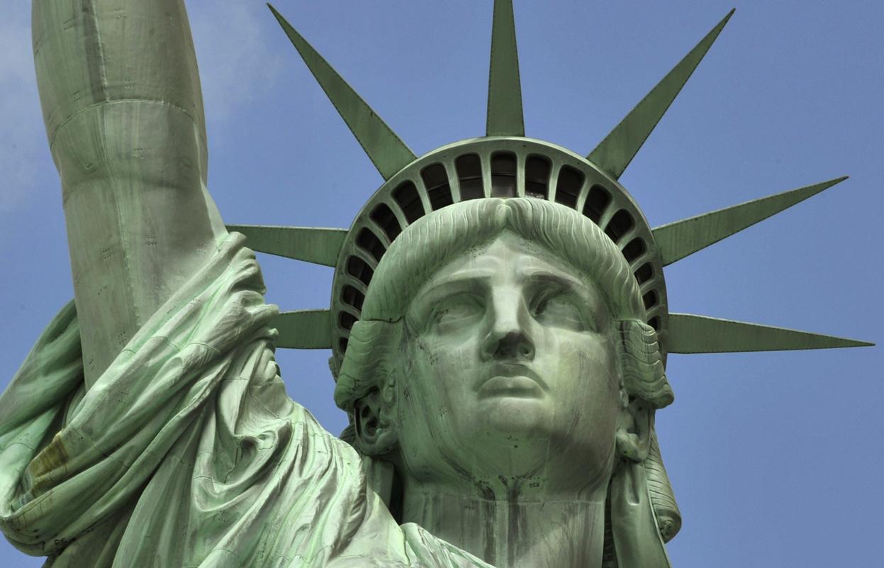 short essay on statue of liberty