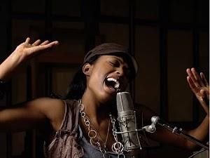 Cara Melatih Vokal Suara Bagi Pemula Agar Tidak Fals dengan Nada Tinggi