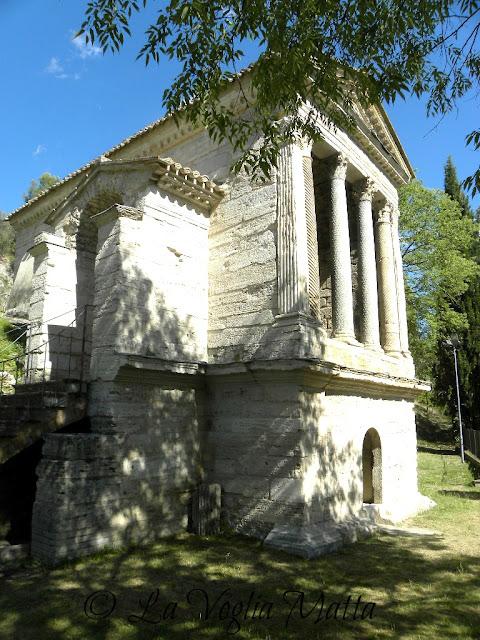Tempietto del Clitunno intitolato a san Salvatore