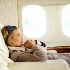 ibu hamil naik pesawat | tips untuk ibu hamil naik pesawat | apakah ibu hamil naik pesawat dapat menyebabkan keguguran