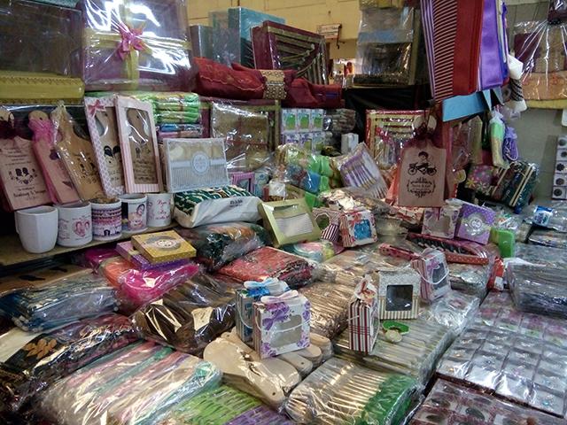 Harga Souvenir di Pasar JATINEGARA MESTER