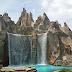 Vaughan, Ontario, Canada: Canada's Wonderland - Victoria Falls High Divers Show