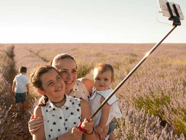 Haciéndonos un selfie en los campos de Lavanda de Brihuega