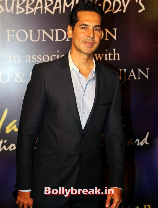 Dino Morea, Bollywood Beauties at Yash Chopra Memorial Awards