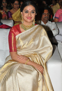 Keerthy Suresh in Saree with Cute and Lovely Expressions at Mahanati Audio Launch 2