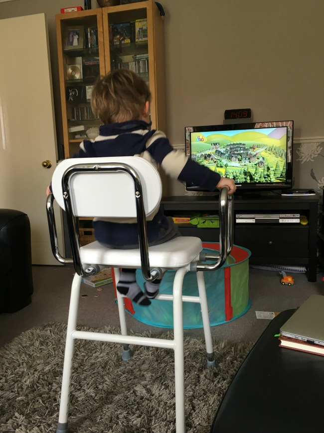 Our-Weekly-Journal-13th-March-2017--toddler-sat-on-chair