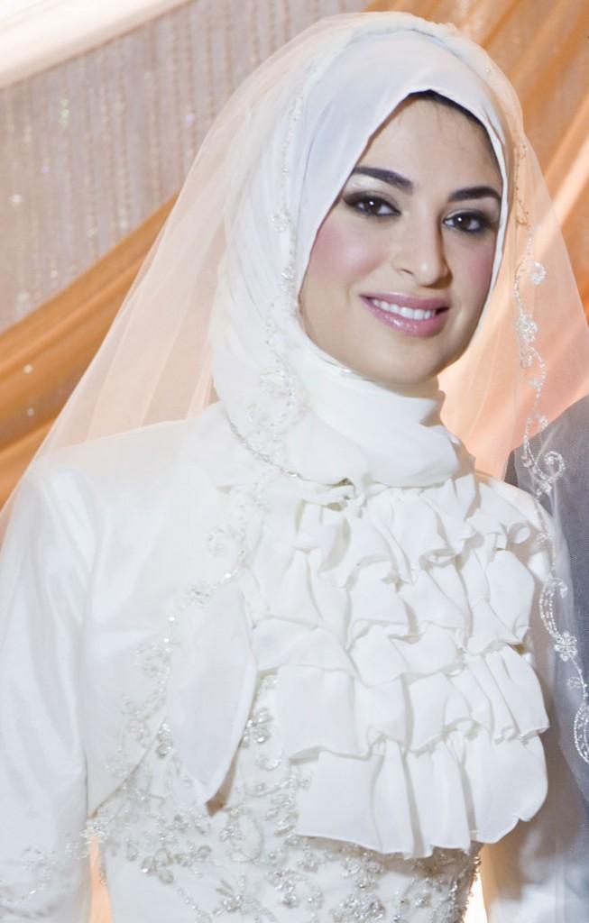 New Islamic Dresses: Islamic Wedding Dresses With Hijab