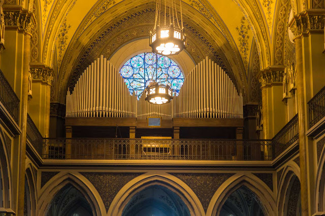 A Catedral de Curitiba - detalhes do interior - coral e orgão
