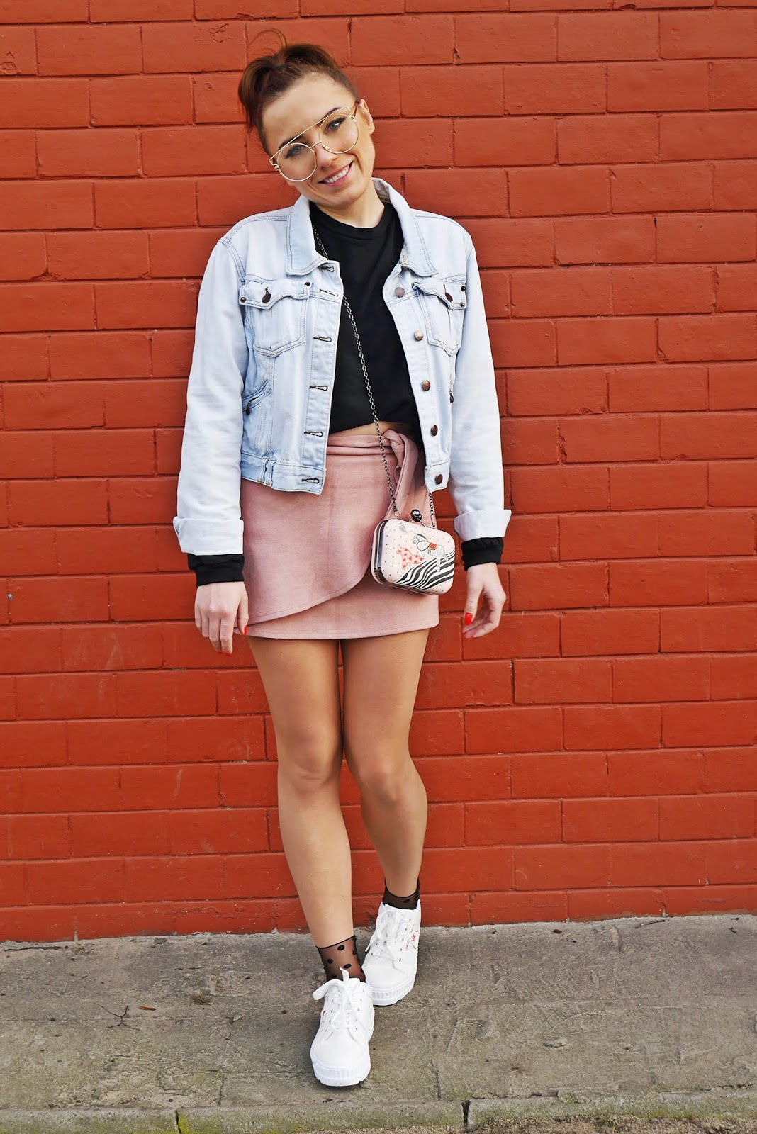 white platform shoes pink skirt denim jacket outfit look karyn fashion blogger
