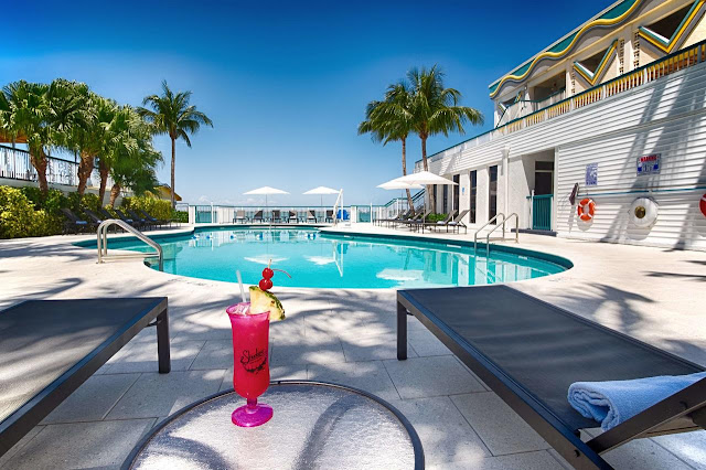 Best Western On The Bay Inn & Marina em Miami Beach: piscina