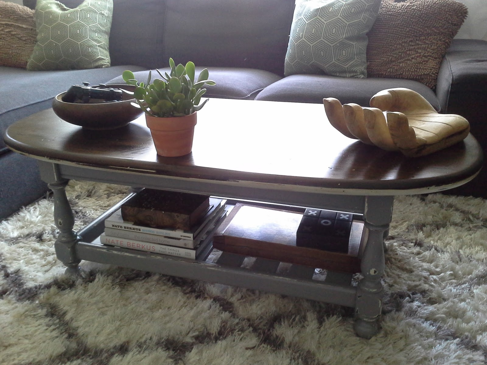 Lilly's Home Designs: Ethan Allen Coffee Table Redesign