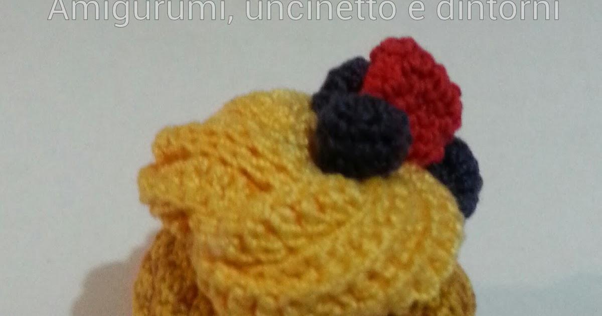 AMIGURUMI CAKE - Cupcake alla crema e frutti di bosco