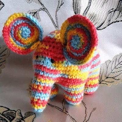 Слоник амигуруми крючком