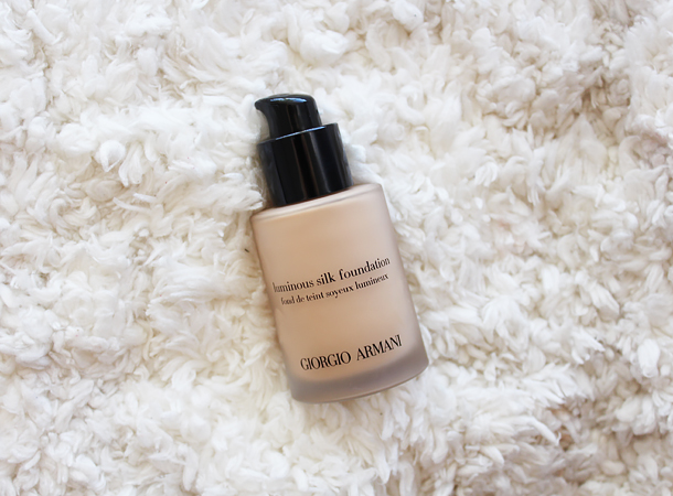 giorgio armani luminous silk foundation review swatches 5 light medium nc30
