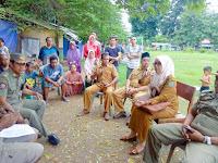 Lapak PKL di Lapangan Serasuba Kumuh, Perindag dan Sat Pol PP Sosialisasi Perda