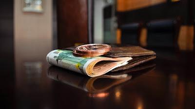 """Decepcionados con los bancos: cómo """"salvan"""" su dinero los alemanes"""