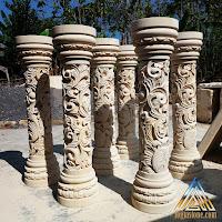 Pilar pagar ukir yang dibuat dari batu alam paras jogja / batu putih