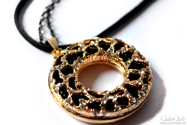 Donut Style Black Charm Pendent