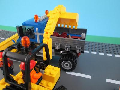 Set LEGO City 60152 Sweeper & Excavator