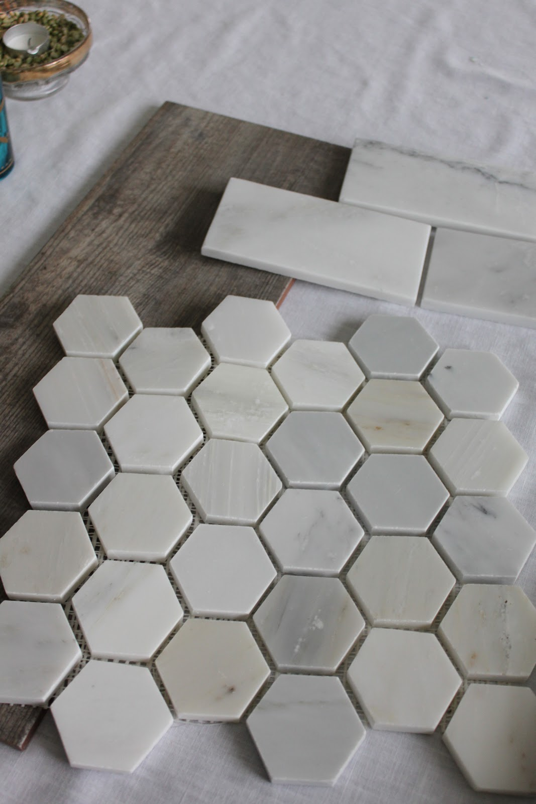 Circle of Mom\'s Top 25 and Our Bathroom Tile Choices - happenstance home