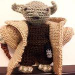 http://www.patronesamigurumi.org/patrones-gratuitos/personajes/yoda-star-wars/