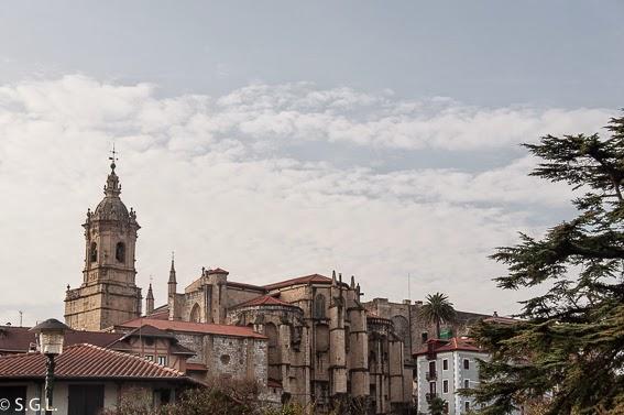 Vista de la iglesia de Santa Maria de la Asuncion de Hondarribia