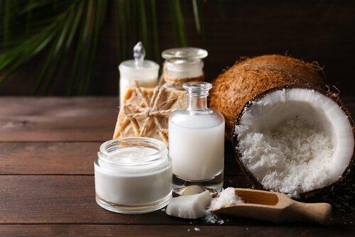 Crème anti-vergetures à l'huile de noix de coco et d'amandes