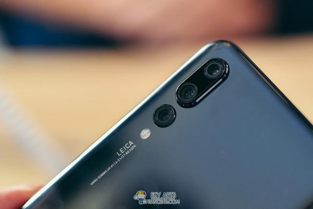 Huawei P20 Pro features THREE rear camera lens - 40MP RGB sensor, a 20MP monochrome sensor and an 8MP sensor with telephoto lens