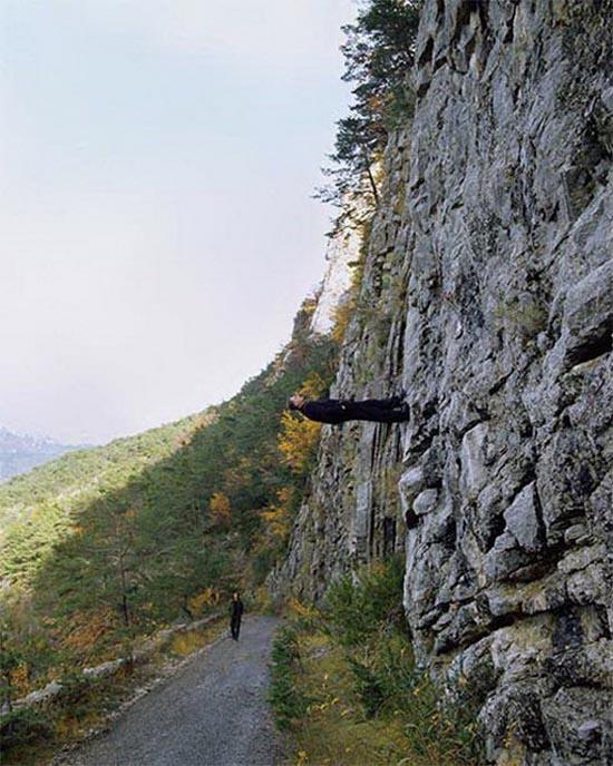 Вызов гравитации. Philippe Ramette 12