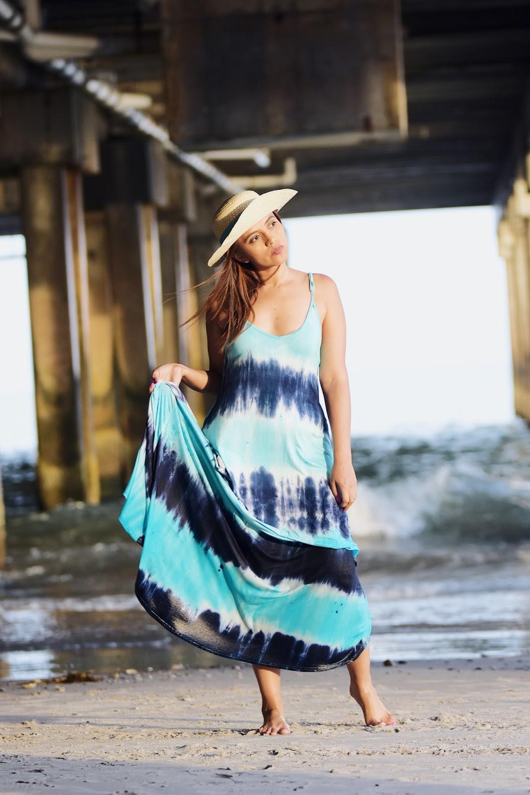Wearing: Dress: Romwe