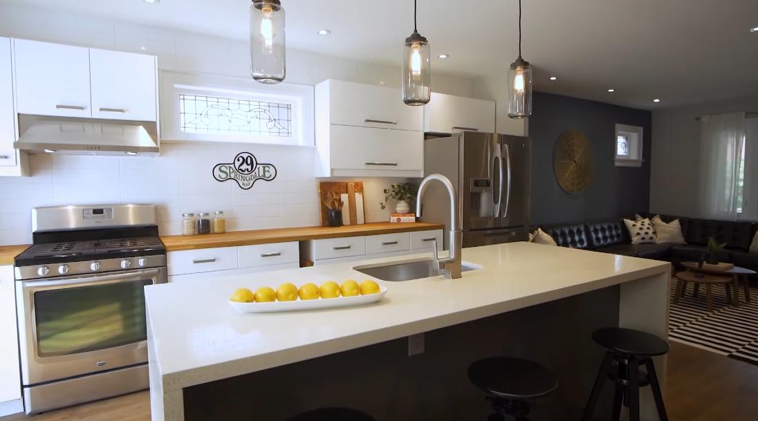 22 Interior Design Photos vs. 29 Springdale Blvd, Toronto Luxury Home Tour