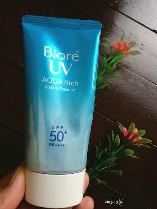 Review Sunblock Biore UV Aqua Rich Watery Essence SPF 50+/PA++++
