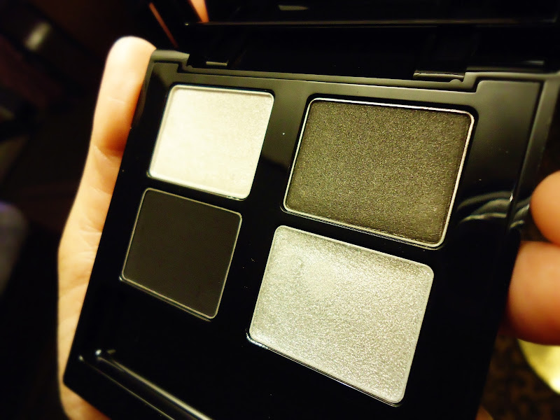 4-Step Smoky Eyes in Silver Black by The Body Shop