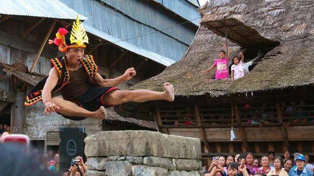 Fahombo Batu Indonesia