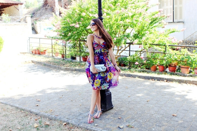 Best summer looks with floral printed dresses